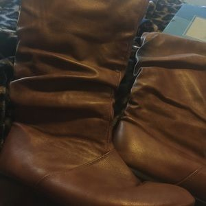 Shoes - Taupe/brown flat boots Size 9